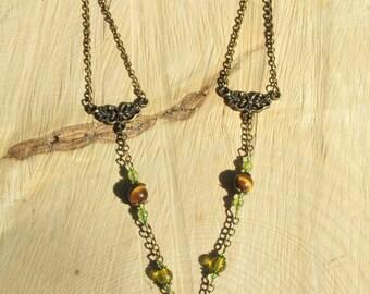 Enchanting Œil Tiger & Peridot necklace.