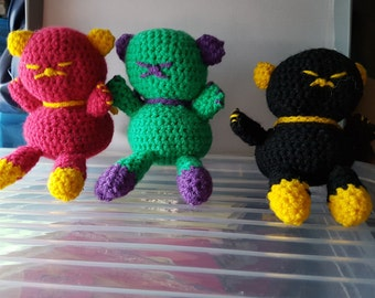 Crochet ninja cat (about 11 centimetres in size)