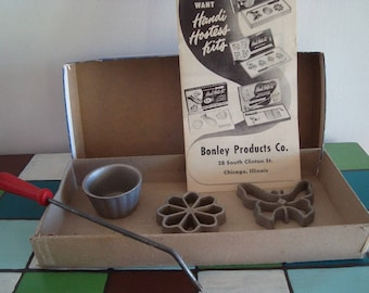 Vintage Bonley Handi Hostess Waf-L-Ette and Patty Shell Molds Kit
