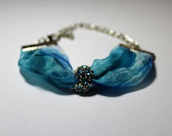 Silk bracelet with charm handmade/blue/100%silk hand dyed with the arashi shibori technique/7.8x0.7in