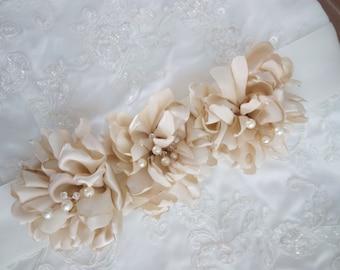 Gold Bridal Belt,Gold Bridal Sash, Gold Wedding Sash, Gold Flower Bridal Sash, Gold Sash, Gold Belt, Flower Sash Belt in Gold or Ivory