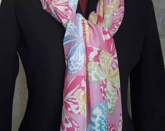 2017 scarf line. The headscarf is an important accessory and versatile in clothing and fashion, use it in many ways.