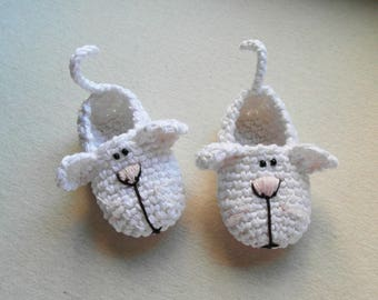 2 KITTENS 1 GIRL,Newborn baby girl booties/Baby booties Crochet, White crib shoes, Crochet BABY booties, Booties 0-3 months, 3-6 months
