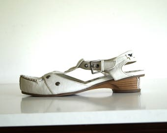 MUSTANG shoes Womens shoes Genuine leather shoes White color Eur size 37 White sandals