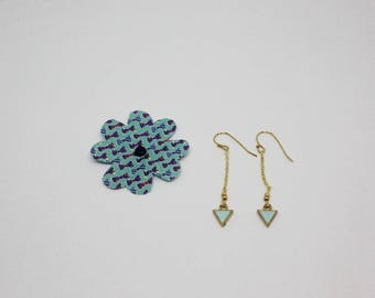 Earrings: light blue triangles, gold chain