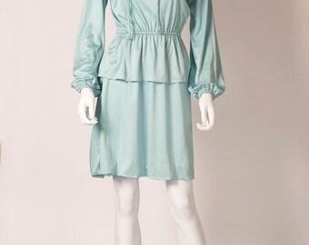1970s dress in mint green, size 10