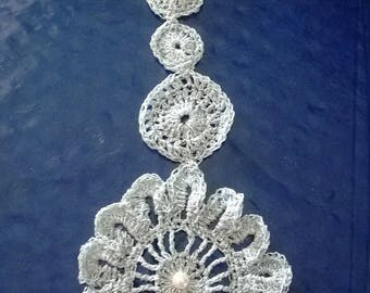 original pendant, round neck with hook