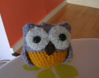 Knitted / Crochet personalized OWL KEYRING