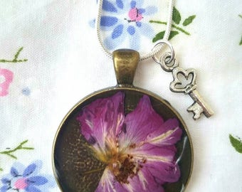 Lovely Rose Necklace