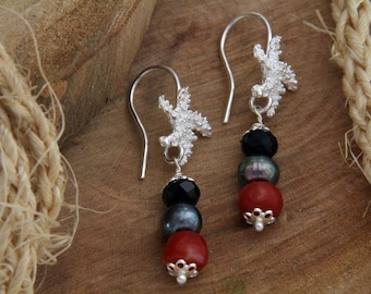 925 Silver earrings with red coral Beads and Onyx, Handcrafted Pendants with gemstone jewelry, handmade Starfish earrings