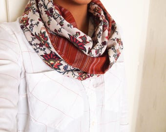 Collar Snood doubled mid-season, floral patterns red khaki and stripes