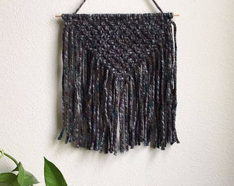 Macrame Wall Hanging, Small Woven Wall Hanging, Tapestry, Boho Hippie Tapestry Wall Hanging