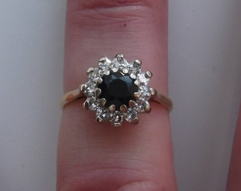 Beautiful Vintage 18ct Gold Sapphire And Diamond Cluster Ring Size N