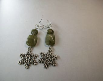 Labradorite with snowflake charm earrings