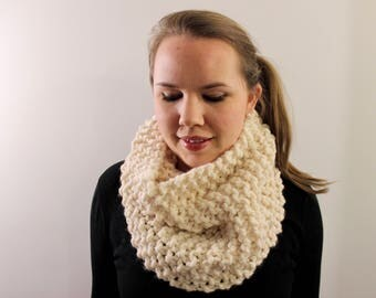 Knitted Cowl in White {Wool Scarf, Chunky Knit Scarf, Knit Cowl, White Scarf, Infinity Scarf}
