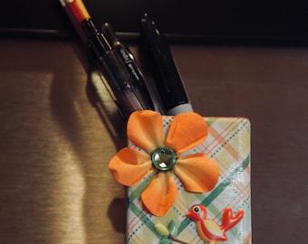 Cute Magnetic Pen Holder