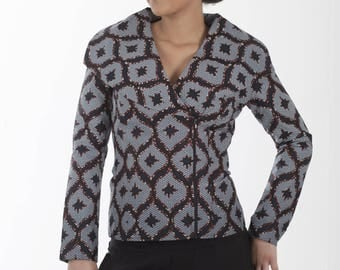 Lady jacket wide collar with closure zipper on the side in African print