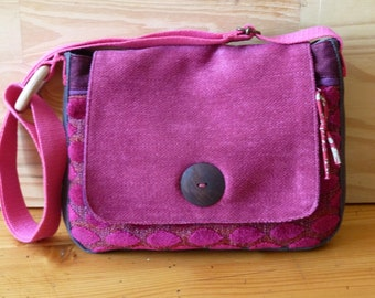 Small satchel shoulder bag