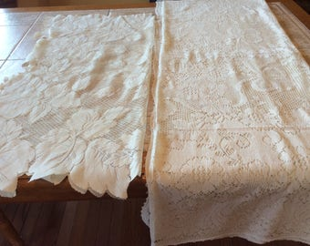 "Tablecloths Vintage Linen Value Bundle - Two Lace Tablecloths Leaf Pattern 36"" Square & Flowers Bows  56"" X 74"" Great Condition B105"