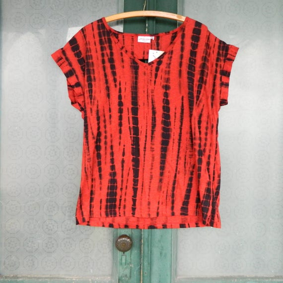 Prairie Cotton Cut Out Tee -M- Red and Navy Tie Dye Light Weight Cotton/Poly NWT