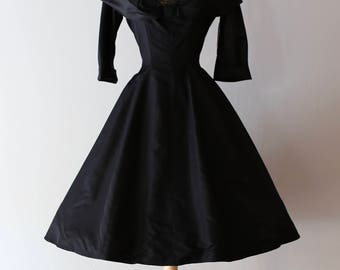 NEW LOOK 1950's Black Silk Cocktail Party Dress By Mari ~ Vintage 50s Black Lace Full Skirt Cocktail Dress With Shawl Collar And Sleeves