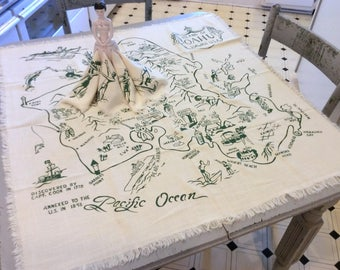 Vintage Souvenir Tablecloth & Napkins Island of Oahu Hawaii