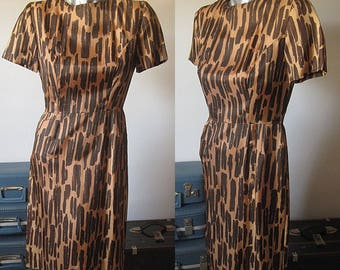 Vintage 50s Brown Painted Dabs Short Sleeve Wiggle Dress Size 2/XS