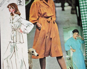 """Vintage 1970s Sewing Pattern, McCall's 5319, Misses' Dress or Top and Pants, Misses' Size 12, Bust 34""""."""