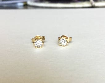1/3 cttw diamond stud earrings 14k gold very clean