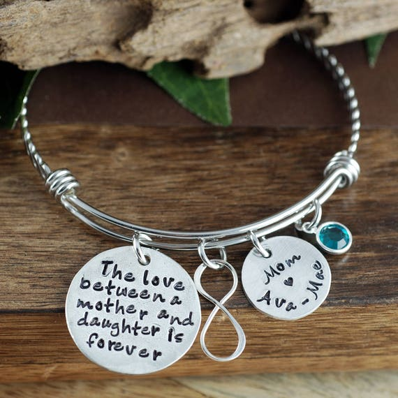 Love between a Mother and Daugher is forever, Infinity Bangle, Personalized Gift, Gift for Mom, Mother of the Bride, Mother Daughter Gift