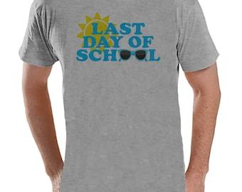 Teacher Shirts - Last Day of School Shirt - Teacher Gift - Teacher Appreciation Gift - Blue Sunglasses School Shirt - Men's Grey T-shirt