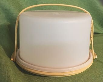 Vintage 1970's Tupperware, Harvest Gold, Cake or Pie Keeper and Carrier with a Handle, Vintage Collectible,
