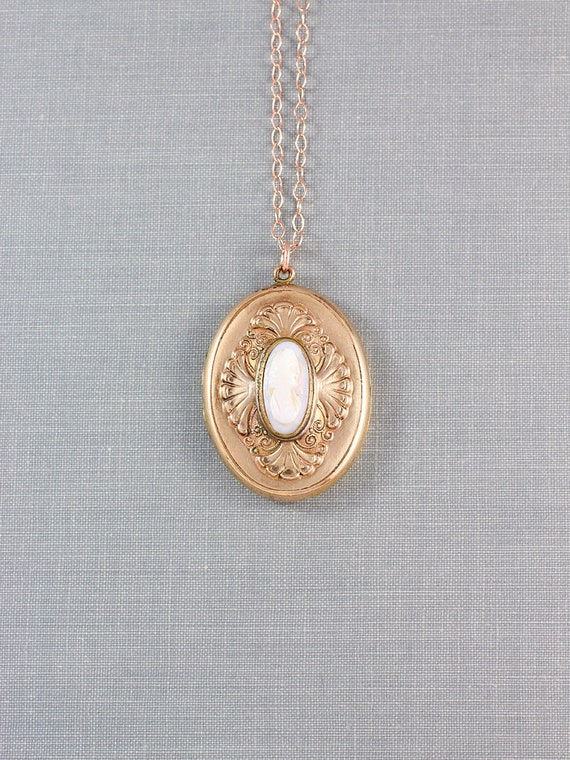 Antique Rose Gold Filled Cameo Locket Necklace, Rare Photo Pendant - Feminine Beauty