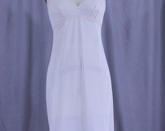 Vintage Lorraine slip in beige size 34 tall