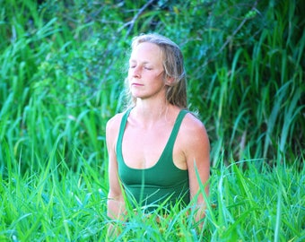 Cropped Yoga Layering Tank Top for Women - Green - Eco Friendly - Fitted - Organic Clothing