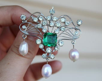 Vintage Emerald Glass Rhinestone and Pearl Brooch and Pendant