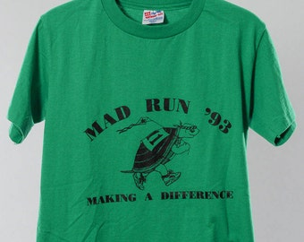 Small 90s Vintage Green Hanes T shirt 1993 Turtle | 5AA