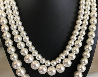 Vintage Triple Strand High Quality Collar Necklace of Creamy White Graduated Glass Pearls