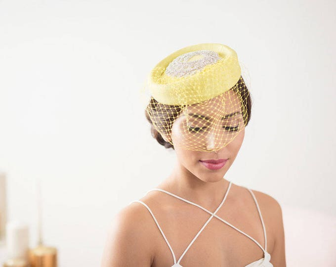 Yellow bridal hat, factinator hat, veil hat, Yellow pillbox hat, bridal fascinator, Yellow birdcage veil hat, birdcage hat, Bridal mini hat