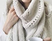 KNITTING PATTERN ⨯ Shawl Scarf Womens Fashion Scarf ⨯ Knit Triangle Scarf, Download Pattern ⨯ Beginner Knitting Scarf Pattern PDF