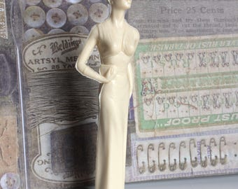 """1964 Campus Cuties Figurine """"On The Town"""" Louis Marx and Co.,  Cream Figurine Part of Series Collectible"""