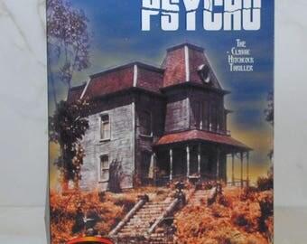 Vintage Psycho Model Kit, Polar Lights, Bates Mansion, Hitchcock Thriller, 5028, Unassembled, Praying Mantis, Universal, Ages 8, To Adult