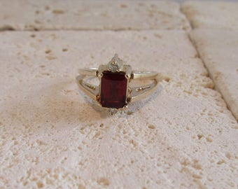 Garnet Ring, Garnet and Diamond Ring, Flip Ring, One Ring Two Looks, January Birthstone, Birthstone Ring, Diamond Ring