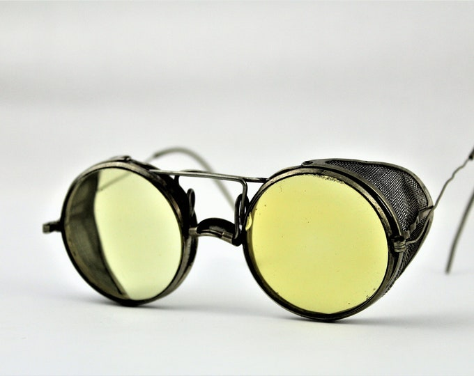 Antique 1917 Pair of Yellow Lens Wellsworth Safety Goggles