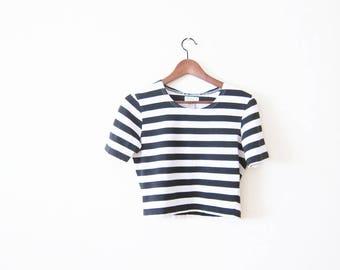Striped Shirt / 90s Shirt / Cropped Top / Crop Shirt / Black White Stripe T Shirt / Grunge Shirt / Stretchy Shirt / 90s Crop Medium