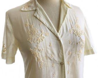 Vintage 50s embroidered shirt/ cream button down shirt/ Chinoise cotton shirt/ floral embroidery