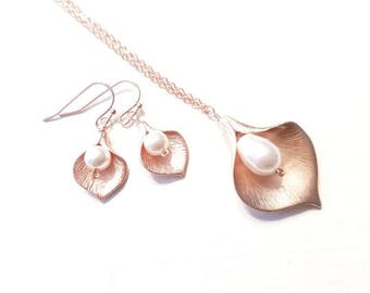 Calla lily Necklace, Calla Earring, Lily Necklace, Mom, Grandma,Sister, Mother, statement, ROSE GOLD, Bridal Jewelry BridesmaidGift