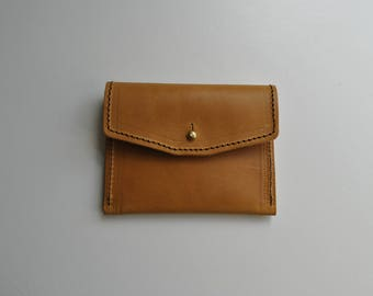 Little tan purse 'Veg Tan' sturdy natural leather unlined sam brown brass stud fastening perfect size for coins & cards small little