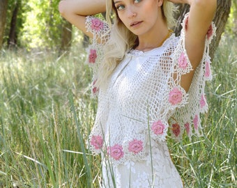 white crochet cape, bohemian capelet, pink wedding wrap, boho bride coverup, wedding shawl, pink roses, hippie rustic country bride