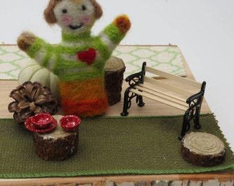 Needle Felted Miniature People, Granny Love's Gift Idea, Fiber Art Miniature,Mummy or Nana Needle Felted, Hugs Doll, Miniature Felted Doll